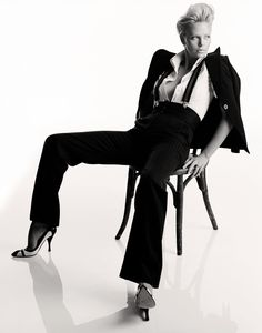 Charlize Theron pictures and photos Androgynous Fashion, Tomboy Fashion, Suit Fashion, Fashion Shoot, Editorial Fashion, Female Fashion, Fashion Fashion, Charlize Theron, High Fashion Photography