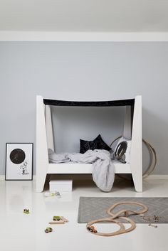 Canopy bed for children. Made of birch plywood.