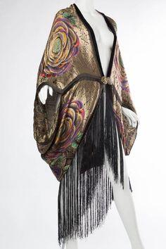 Black Phenomenal Lamé Cocoon Coat with Fringe For Sale 1920s Fashion Women, Vintage Fashion, Womens Fashion, 1920s Fashion Dresses, 1920s Dress, Victorian Fashion, Vintage Outfits, Vintage Dresses, Fashion History