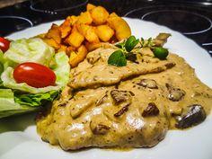 Vepřové medailonky s houbovým přelivem a opečenými bramborami Chicken, Meat, Food, Eten, Meals, Cubs, Kai, Diet