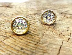 Gold Post Round Earrings