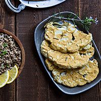 Hummus-Crusted Cauliflower Steaks from @FatFree Vegan Kitchen!
