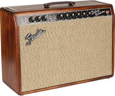 ✅ Financing for your Fender Deluxe Reverb Tube Combo Amp Limited Edition Wine Red Sweetwater Exclusive! Gretsch, Fender Stratocaster, Fender Guitar Amps, Gibson Guitars, Fender Bass, Guitar Images, Valve Amplifier, Signature Guitar, Bass Amps