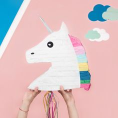 Hoe leuk is deze pinata Eenhoorn / Unicorn van @mylittleday? De perfecte decoratie voor een kinderfeestje of babyshower. Shop via things-we-love.nl #thingswelovenl #mylittleday #pinata #unicorn #eenhoorn
