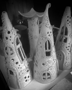 My fairy houses ? Hand Built Pottery, Slab Pottery, Ceramic Pottery, Pottery Art, Pottery Ideas, Clay Houses, Ceramic Houses, Ceramic Clay, Clay Fairy House