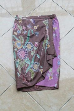 Batik Skirt Kebaya Lace, Kebaya Hijab, Batik Kebaya, Batik Dress, Batik Fashion, Skirt Fashion, Rok Batik Modern, Batik Pattern, Blouse And Skirt