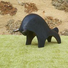 TB01 N Taureau tête basse noire