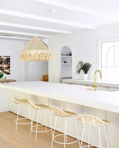 House 10 is complete! Episode one of their aired on Monday night. We love this stunning kitchen 😍 We can't wait to show off our products in coming weeks! Stools For Kitchen Island, Kitchen Benches, Kitchen Reno, Kitchen Dining, Island Bench, Three Birds Renovations, All White Kitchen, Happy Kitchen, Open Plan Living