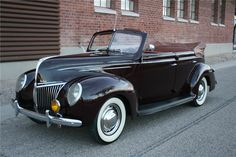 1939 FORD DELUXE CONVERTIBLE SEDAN - Barrett-Jackson Auction Company - World's Greatest Collector Car Auctions