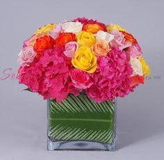 Just For Lili in Los Angeles CA, Sonny Alexander Flowers Fresh Flowers, White Flowers, Salsa Party, Fresh Flower Delivery, Local Florist, Floral Arrangements, Glass Vase, Centerpieces, Bouquet