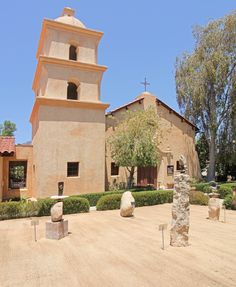 Ojai Valley Museum of History and Art, Ojai, California. Two galleries, Museum Store, adjunct Visitor Center. All exhibits, changing and permanent, focus on Ojai history, art and culture.