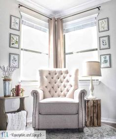 Transforming a Room with Corner Curtains and a Corner Curtain Rod Hack Corner Curtain Rod, Corner Window Curtains, Curtain Rods, Hang Curtains, Style At Home, Corner Window Treatments, Living Room Designs, Living Room Decor, Dining Room