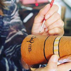 Um LUXO do século 21 é ter um artigo feito à mão carregado de amor e carinho Bom dia!!! #Cultura #Lampião #Cangaceiro #OReidoCangaço #Cores #Sustentabilidade #ReciclarÉPreciso #PapelMachê #Papietagem #papelmachê #videoaula #aprendacomofazerpapelmachê #arte #galeriadearte #galeriadearteanaselma #cultura #nordeste #sustentabilidadebrasil #sustentavel #reciclarépreciso #sustentabilidade #artebrasil #amorpelaarte #artist #art #recycle by anaselmagalvao http://ift.tt/1sJJ3Nn
