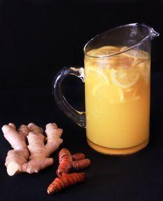My Favorite Detox Tea  - bye bye puffy eyes and water retention!!    2 pulgada de jengibre2.3 pulgadas pedazo de raíz de cúrcuma o sustituto 2 cucharadita de cúrcuma en polvo  1-2 pizcas de pimienta (o usted podría jugo 1/2 de pimienta habanero o jalapeño)  4 limones (3 para extraer el jugo y 1 para cortar en rodajas como guarnición)  3 goteros  vainilla stevia  2 litros de agua