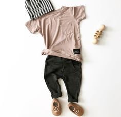add a little warmth to your monochrome palette – Kindermode sommer Fashion Kids, Little Kid Fashion, Toddler Boy Fashion, Toddler Boys, Man Fashion, Baby Boys, Kids Girls, Baby Outfits, Outfits Niños