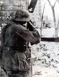 The Battle of STALINGRAD. wehrmacht soldier shooting sniping .september.1942. Stalingrad