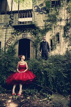 Inspiration: wedding shoot with Belle Isle graffiti?