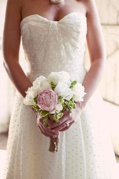 Polka dot wedding dress. So sweet and delicate.
