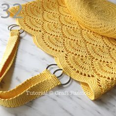 Get free beach tote crochet pattern in beautiful giant shell stitch design. Crochet with exotic straw raffia yarn, perfect for summer & beach activity. Mochila Crochet, Crochet Tote, Crochet Purses, Crochet Stitches, Crochet Bikini, Knit Crochet, Crochet Pattern Free, Crochet Diagram, Crochet Patterns