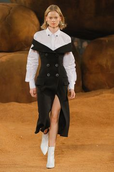 Camilla and Marc Sydney Fall 2018 Fashion Show Collection: See the complete Camilla and Marc Sydney Fall 2018 collection. Look 25