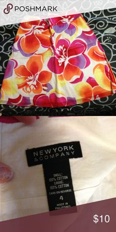 New York &Company Floral A-line Floral a-like skirt, great for spring and summer New York & Company Skirts A-Line or Full