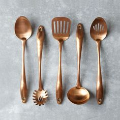 #keukengereedschap, je komt ze in alle materialen tegen. Maar #keukengerei van #koper maakt je #keuken wel heel erg chique!