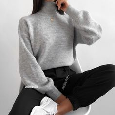 comfortable winter outfits ideas to inspire you 14 ~ Modern House Design Source by marpasov Outfit ideas Winter Fashion Outfits, Look Fashion, Fall Outfits, Fashion Mode, Fashion Black, Comfortable Winter Outfits, Cute Casual Outfits, Stylish Outfits, Teenager Outfits