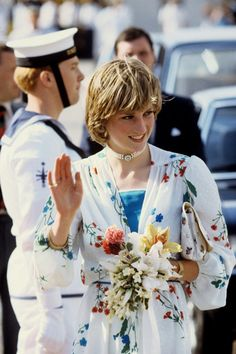 lovelydianaprincessofwales:  Princess of Wales leaving for her honeymoon