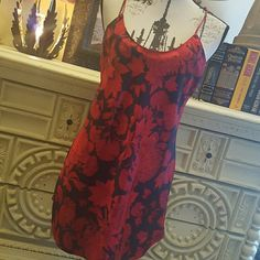 🌹 Victoria Secret gown Gorgeous nightie, from the bust to the bottom. Victoria Secrets, Victoria Secret Bags, Fashion Design, Fashion Tips, Fashion Trends, Gowns, Summer Dresses, Outfits, Collection