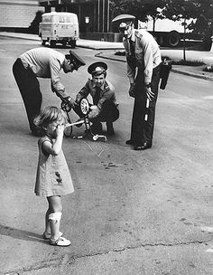 Soviet Police Fixing a Little Girls Bike Old Pictures, Old Photos, Little Girls Bike, Black History, Art History, Crying Girl, Photo Story, The Words, Black And White Pictures