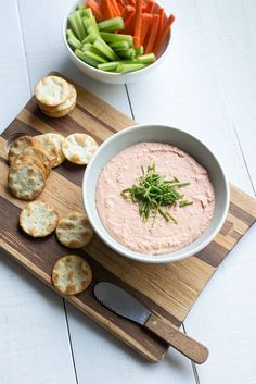 Salmon Mousse Dip www.pineappleandcoconut.com #appetizer #dip #Thanksgiving