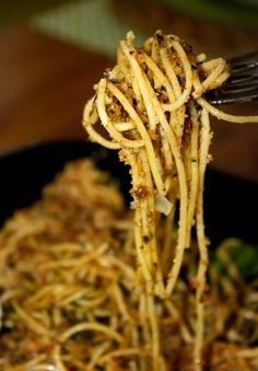 Spaghetti with Toasted Garlic Breadcrumbs from La Bella Vita Cucina. This classic pasta recipe is the perfect comfort food!