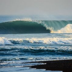 What waves do you plan to off the in We're big fans of in Bali. Beachy Waves, Big Waves, Ocean Waves, Wave Do, Surf Trip, Natural Waves, Bondi Beach, Surfboards, Surfers