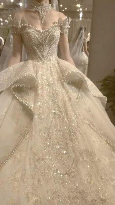 Wedding Dress Bustle, Dream Wedding Dresses, Extravagant Wedding Dresses, Hogwarts, Fantasy Gowns, Fairytale Dress, Quince Dresses, Pretty Dresses, Unique Dresses