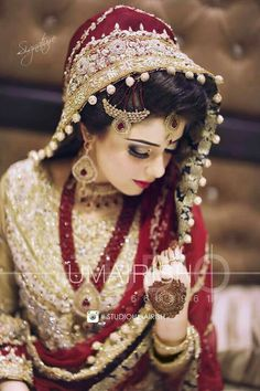 Latest Bridal Dresses Colour Combination pertaining to Trending This Year - Wedding Ideas MakeIt Pakistani Bridal Makeup, Pakistani Wedding Outfits, Indian Bridal Fashion, Bridal Outfits, Wedding Hijab, Pakistani Dresses, Indian Outfits, Wedding Bride, Saris