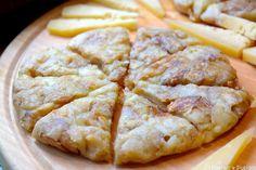 Cette spécialité slovène est une galette de pommes de terre au fromage (Tolmin) dans laquelle on retrouve parfois des oeufs. Délicieux.