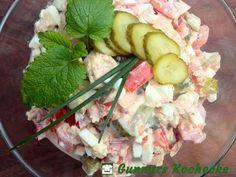 Thunfisch-Eier-Salat mit Gurke und Tomate