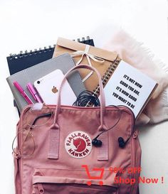 Travel backpack outfit ideas best ideas life в 2019 г. Mochila Kanken, Backpack Outfit, Kanken Backpack, Trendy Fashion, Fashion Outfits, Trendy Style, Sorry Gifts, Best Travel Backpack, Cool Backpacks