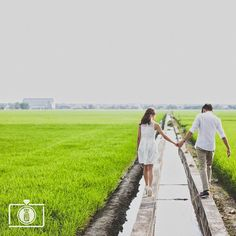 Just wanna walk with you in my whole life. Photo by Omelett3 Studio see his price list and portfolio at http://www.onethreeonefour.com/listing/OmeletteStudio Direct link in bio. #malaysia #malaysiaweddingphotographer // www.onethreeonefour.com // #prewedding #wedding #engagement #elopement #photography #couple