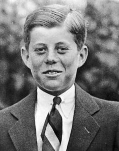 24 Fascinating Photos Of World Leaders When They Were Young.