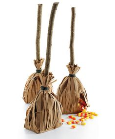 Great treat bags. I've done these for the kids before at a Halloween party and they loved them! So easy!