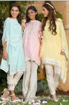 Pakistani Party Wear, Pakistani Dresses, Indian Dresses, Trendy Dresses, Simple Dresses, Casual Dresses, Eastern Dresses, Salwar Designs, Fashion Pants