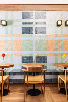 The interior of The Mockingbird, a coffee shop that serves Greek frozen yoghurt, was decked out in more colourful tiles by Wreastler. Austin Hotels, Atlanta Hotels, Mismatched Furniture, White Oak Wood, Kelly Wearstler, Home Decor Pictures, Home Decor Paintings, Luxury Homes Interior, Interior Design