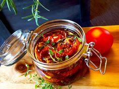 aurinkokuivattuja tomaatteja