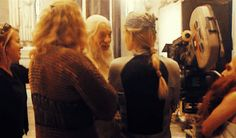 (gif) Lord of the Rings cast dorking around. LEGOLAS YOUR HAIR XD