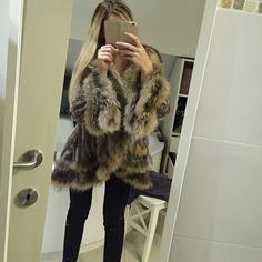 Fur jacket selfy