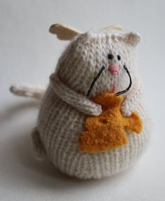 Knitted Angel Cat by LeSiCraft on Etsy