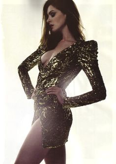 I actually can't stand her but i mean….Anne Hathaway in Gucci dress for Elle Magazine