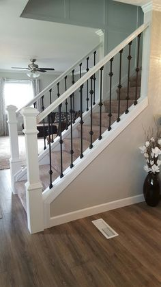 Modern Stair Railing Designs That Are Perfect! Looking for Modern Stair Railing Ideas? Check out our photo gallery of Modern Stair Railing Ideas Here.Looking for Modern Stair Railing Ideas? Check out our photo gallery of Modern Stair Railing Ideas Here. Modern Stair Railing, Staircase Railings, Modern Stairs, Staircase Design, Staircase Ideas, Banisters, Open Staircase, Iron Balusters, Staircases
