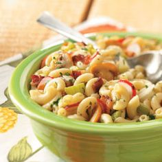 Hot Bacon Macaroni Salad recipe: Start your picnic right with this delicious macaroni salad. It's loaded with diced veggies and bacon, and coated with a zesty dressing similar to one you'd use for German potato salad. Pasta Dishes, Food Dishes, Side Dishes, Main Dishes, Pasta With Mayonnaise, Graduation Party Foods, Pasta Salad Recipes, Summer Recipes, Party Recipes